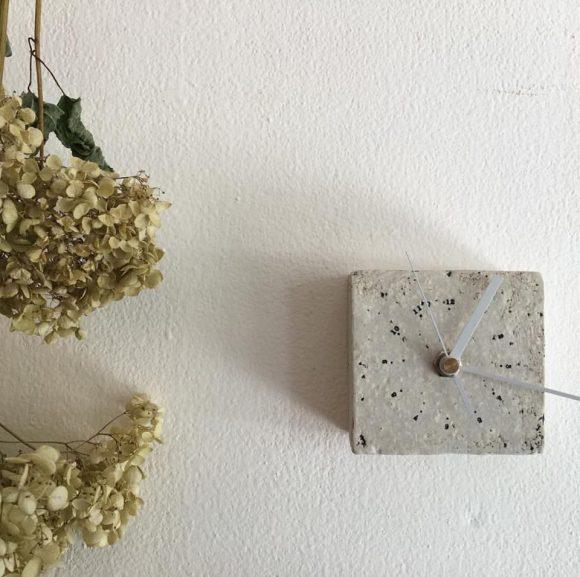高野友美さんの壁掛け時計